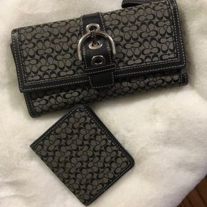 Coach wallet and ID holder tonight only!!!!